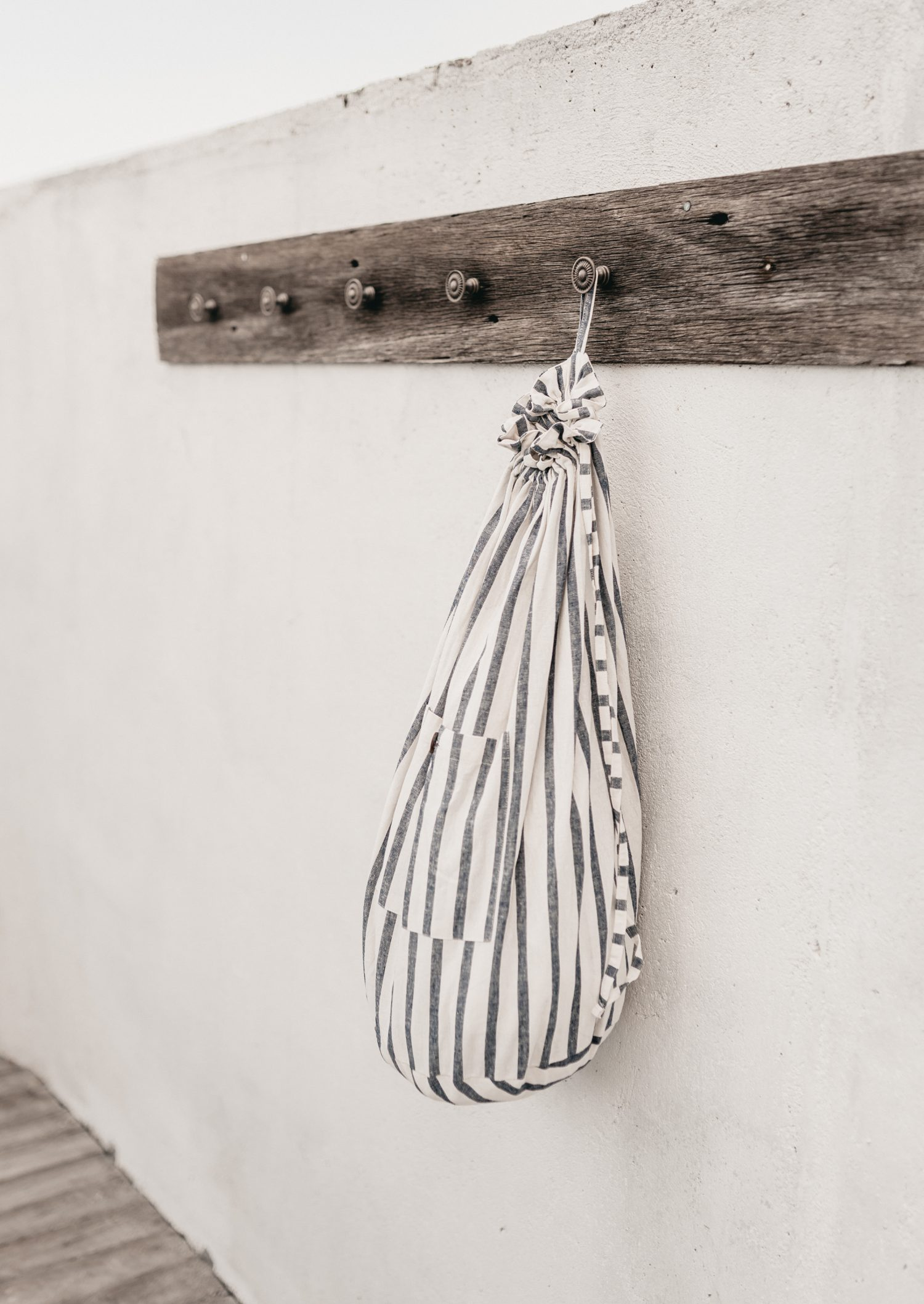 Nowhere & Everywhere Travel Laundry Washing Wash Bag Plastic Free Bag Coconut Buttons Zero Waste Shop Sustainable Ethical Travel